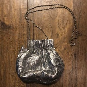 La Regal small shell silver purse bag clutch